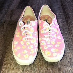 KEDS PINK WHITE DAISIES SNEAKERS SIZE 8.0